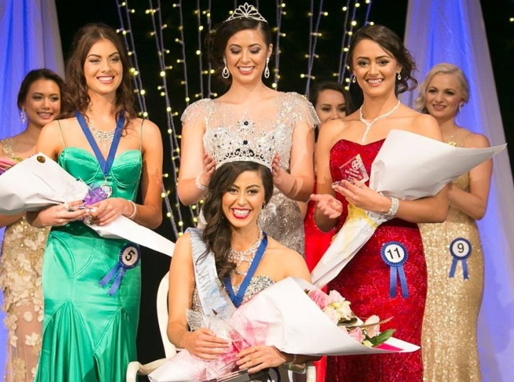 Left: First runner-upHayley Robinson, Middle: Winner Miss World New Zealand 2015 , Deborah Lambie and right: second runner up, Te Rua Wallace