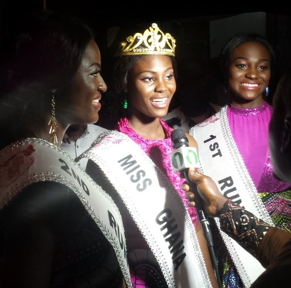 Antoinette Delali Kemavor, winner Miss Ghana 2015 flanked by her runners up Rebecca Asamoah and Afua Asieduwaa Akorfa