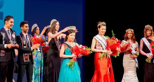 Miss World Canada 2014 Annora Bourgeault is crowning her successor Anastasia Lin - Miss World Canada 2015