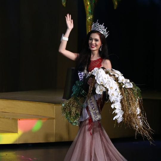Trixie Maristela from the Philippines and her first walk as Miss International Queen 2015