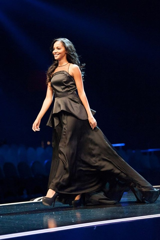 Winner Miss South Africa 2015, Liesl Laurie ripping the runway