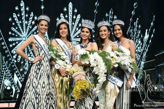 MISS UNIVERSE THAILAND 2016  Chalita Suansane flanked by runners-up Miss Earth Thailand 2016, Adcharee Buakhiao and  2nd runner up Lapatthida Kongraphan, Sornsarot Vittayaruengsook and Nutnaree Boonsiri